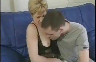 Gli uomini masturbandosi sulla figa della sua video porno amatoriali italiani gratuiti ragazza